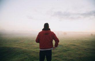 霧の中の人